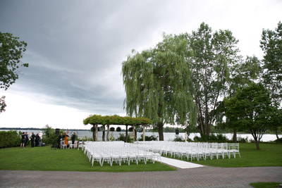 Outdoor lakeside wedding at Chateau Vaudreuil
